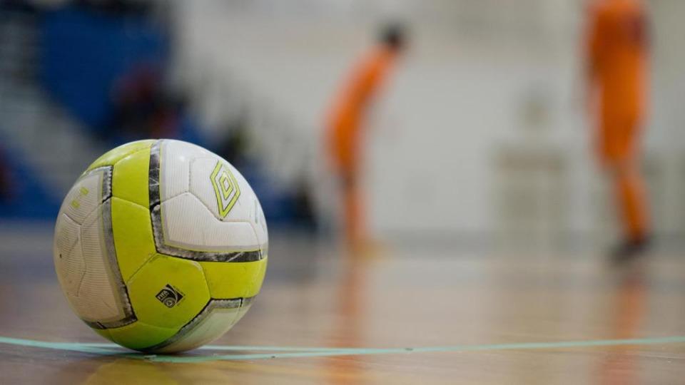 ee3fd80369142 As bolas de futsal possuem características diferentes das bolas de campo