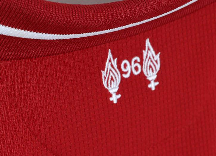 A Nova Camisa Do Liverpool Na Futfanatcs