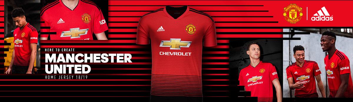 22ebbeeca4 A história das camisas do Manchester United