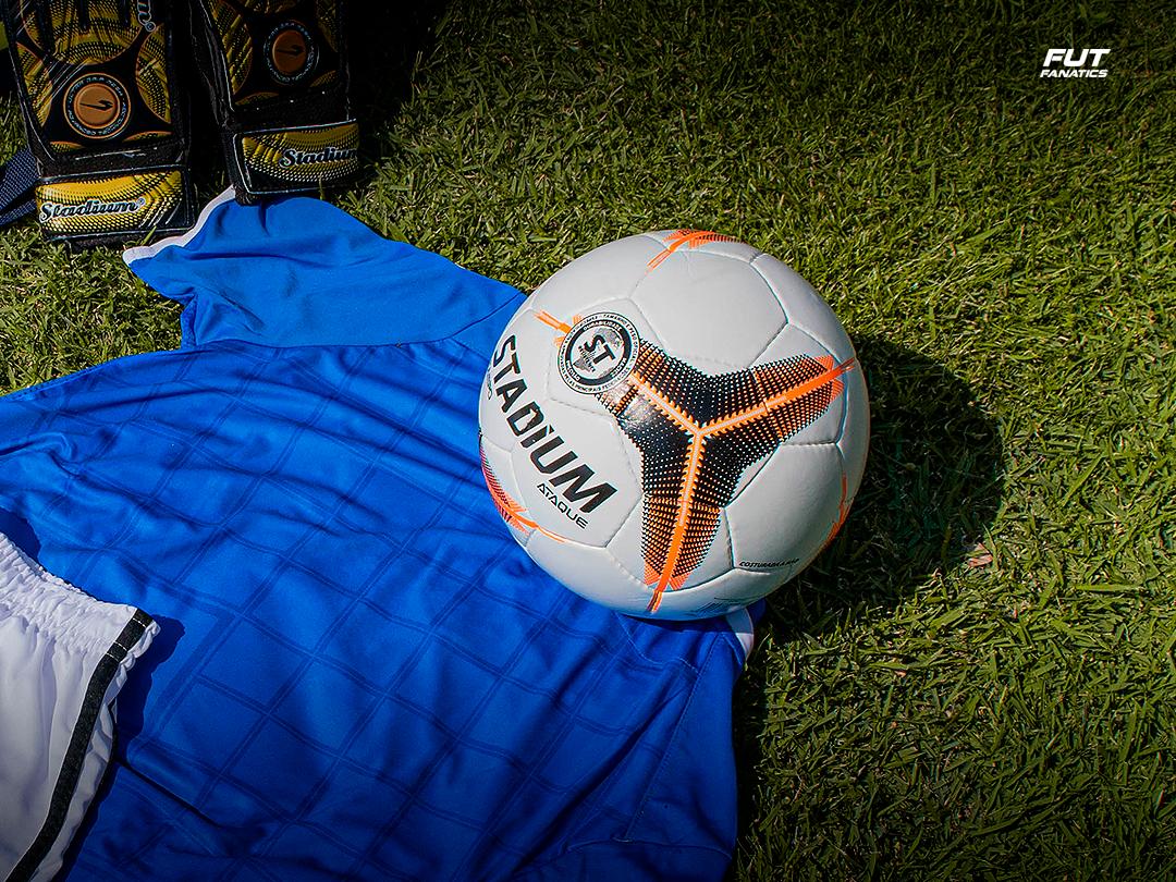 A Stadium também oferece bola de futebol barata
