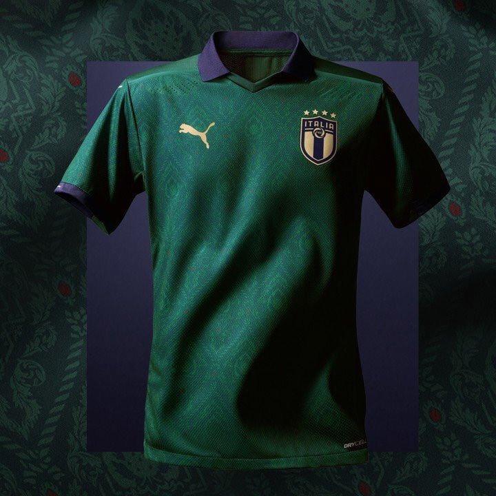 A nova camisa da Itália foi inspirada em jogo de 1954, contra a Argentina