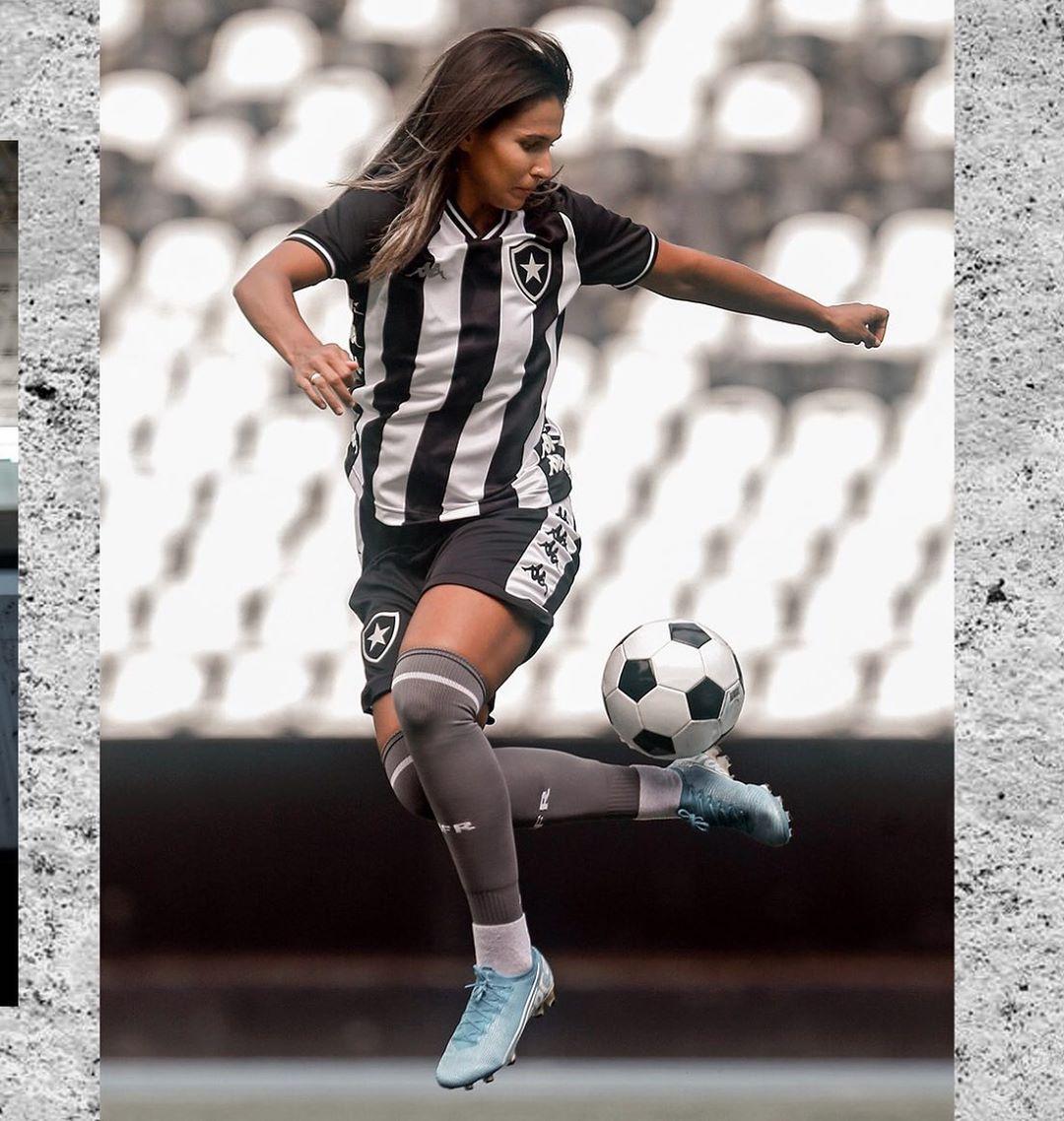 Uniforme principal completo do Botafogo