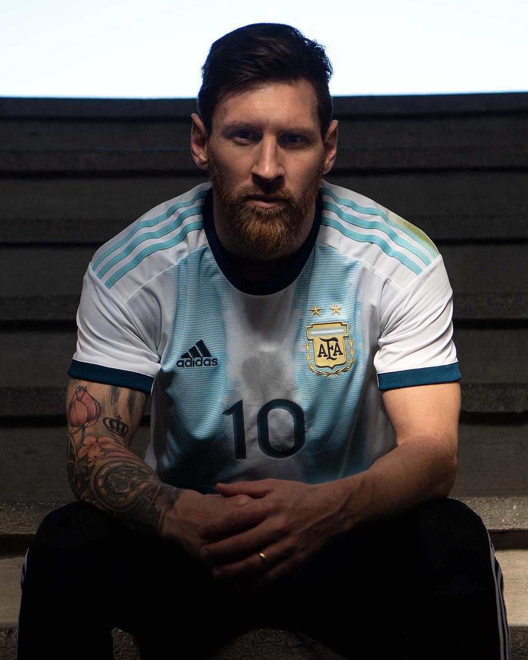 Camisas de times em promoção: Argentina