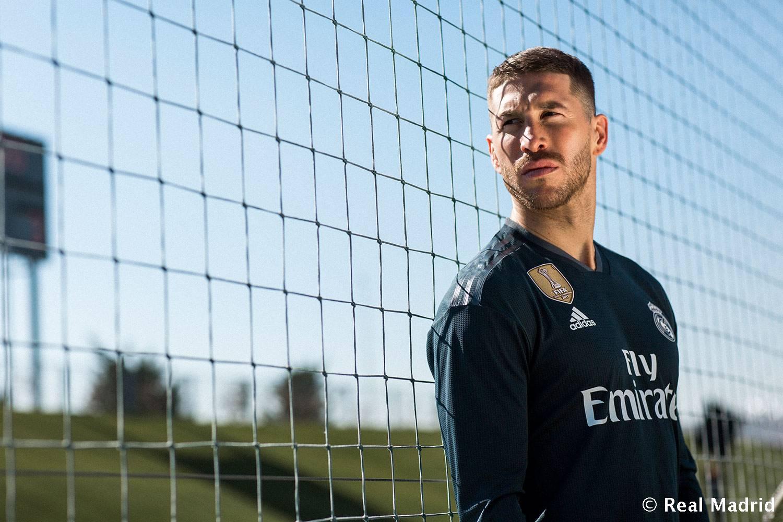 Camisas de times em promoção: Real Madrid away