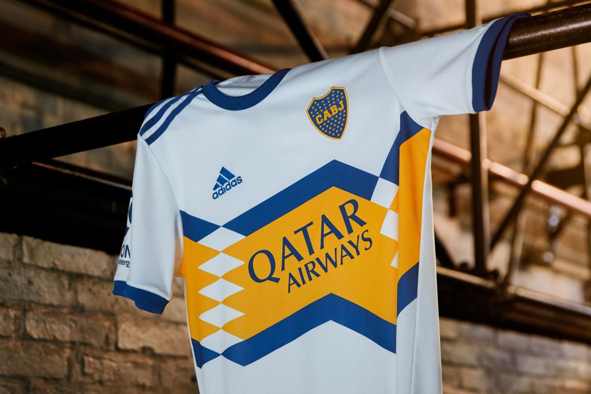 Nova camisa reserva do Boca Juniors com a Adidas