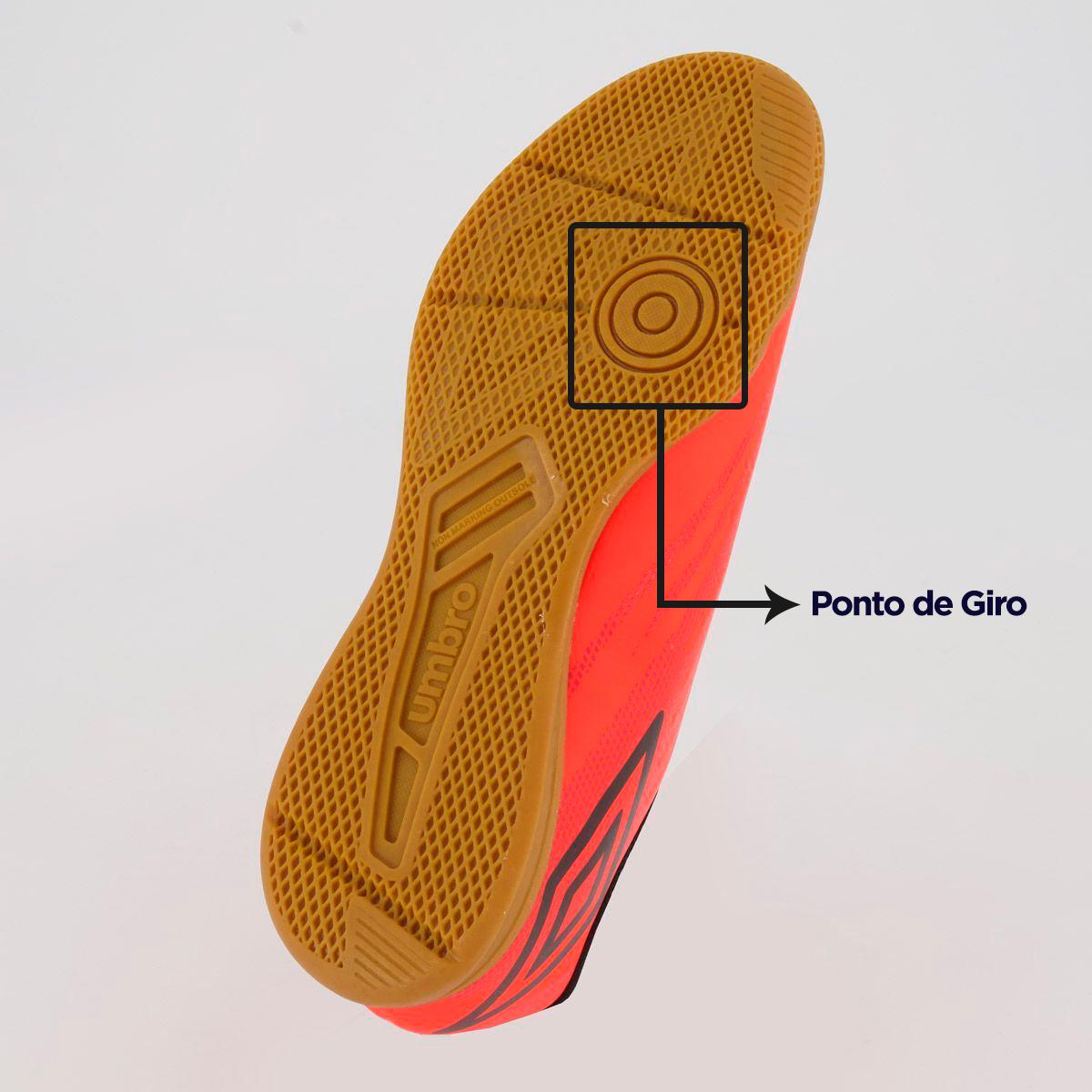 Como escolher uma chuteira de futsal com ponto de giro