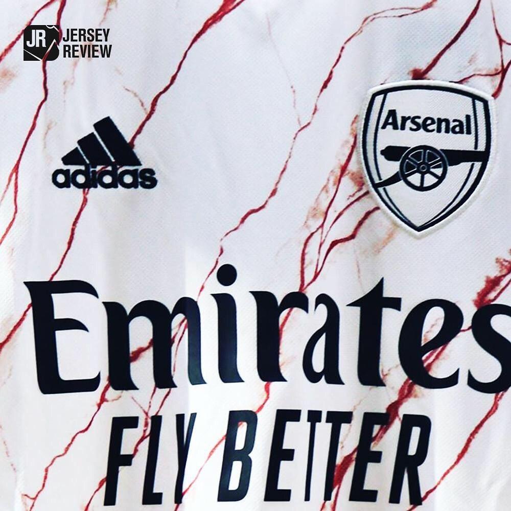 Camisa do Arsenal 2020 detalhes