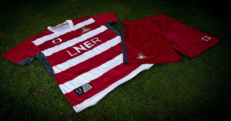Camisas de times Doncaster Rovers