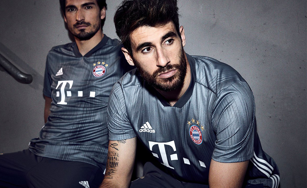 888f3f9130 Adidas e Parley: o terceiro uniforme do Bayern de Munique para temporada  2018-19