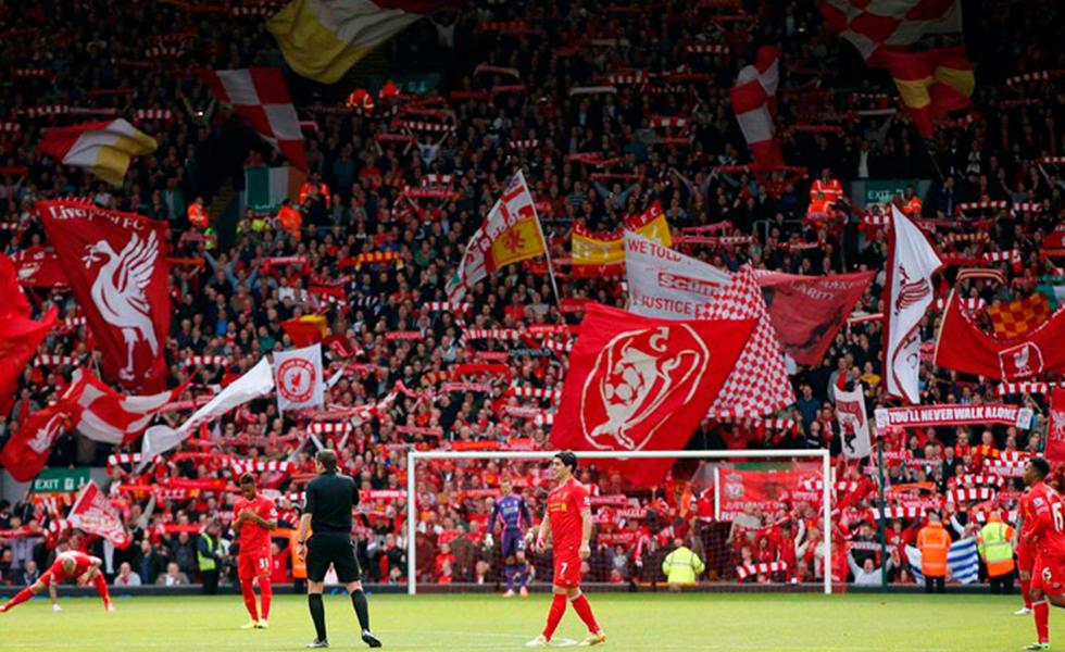 Cantos de torcida do Liverpool arrepiam os fãs