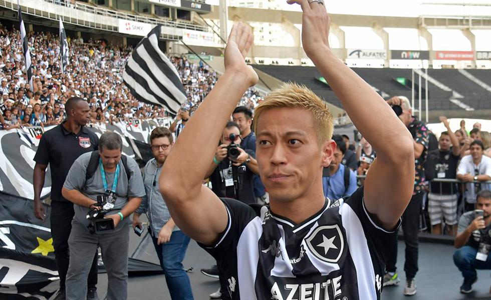 Jogadores estrangeiros no Brasil: Veja 7 contratações aleatórias no futebol